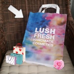Chicapixie probando productos de Lush
